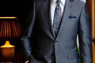 穿合身的西装,可以提升整体气质!-深圳市博克时代科技开发有限公司